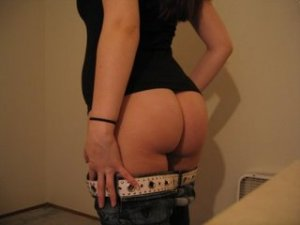Ana-paola milf personals Centre Wellington
