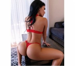Lya outcall escort Winfield, KS